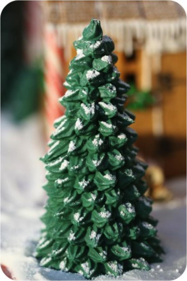 Christmas Tree Pretzels