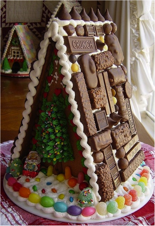 Unique decorating ideas for gingerbread houses
