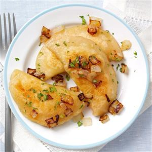 Homemade-Pierogies_exps117397_TH2236620A06_02_2bC_RMS