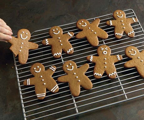 051114036-01-gingerbread-men-recipe-main